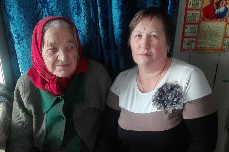Соцработники «Доброты» поздравили подопечную со 103-летием